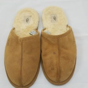 Mens UGG Slippers.